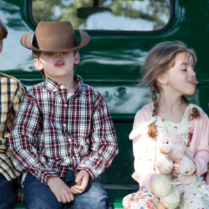 Kids on truck 1200x500