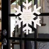 Brand NEW: Snowflake Door Decor